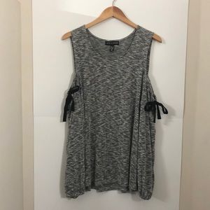 LOVE & LEGEND 2X grey sweater shoulder bows